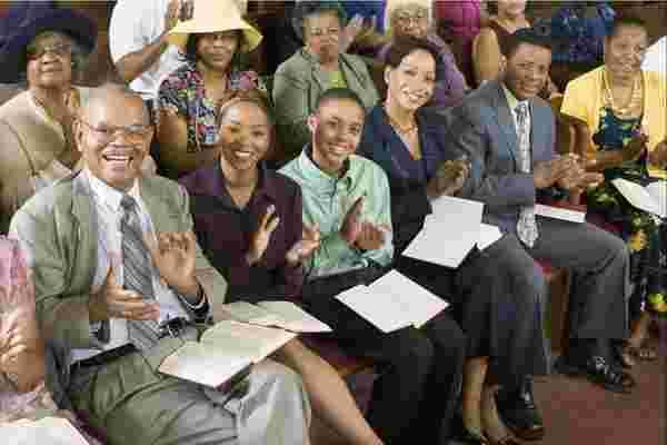 领导者可以从黑人教会那里学到什么来保持团队成员的参与